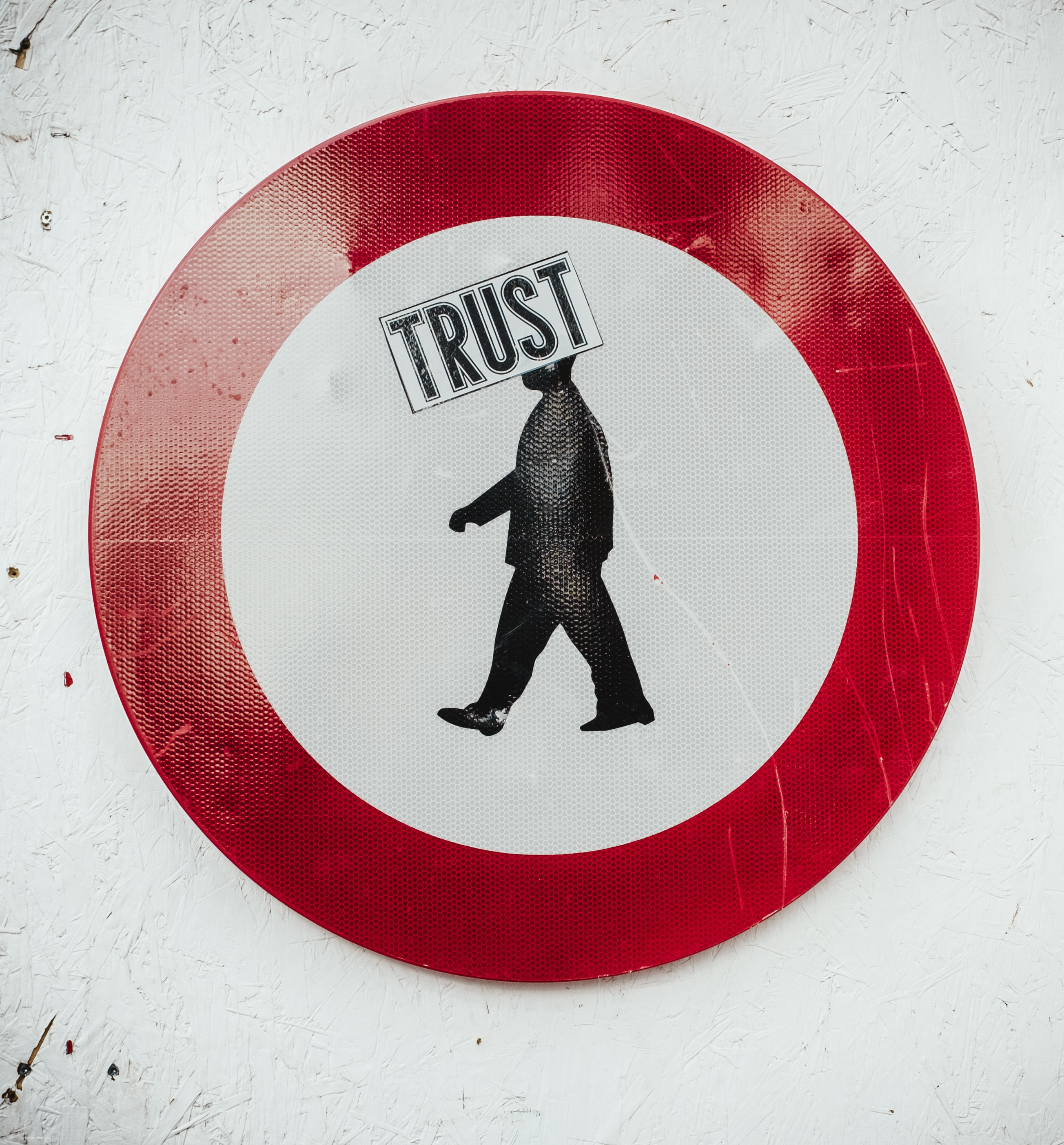10 ways to earn and build customers trust image