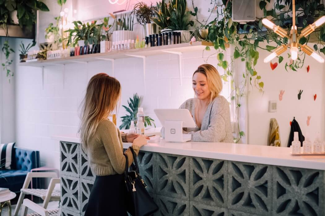 5 Ways to Earn Customer Trust When You Have Zero Sales image